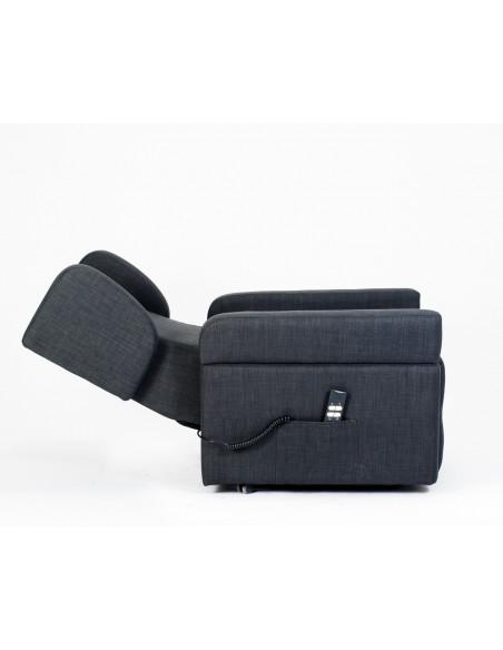 Sillón de 2 mot levantapersona, reclinaciones independientes, brazos/orejas removibles para mover a la Cama, mesita, ruedas.